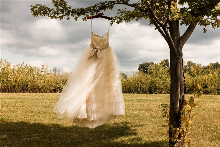 Is It Bad Luck to Sell Your Wedding Dress?